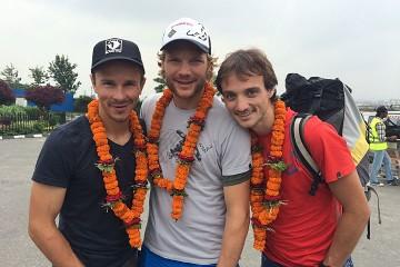 Sebastian-Haag,-Benedikt-Boehm-i-Andrea-Zambaldi-w-Kathmandu_fot