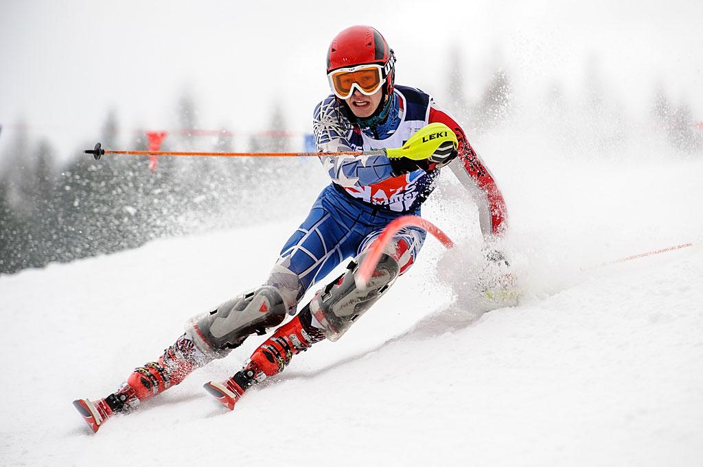 Przemek Gałuszka prowadził popierwszym przejeździe slalomu. Nieudało mu się jednak utrzymać nawet miejsca napodium.