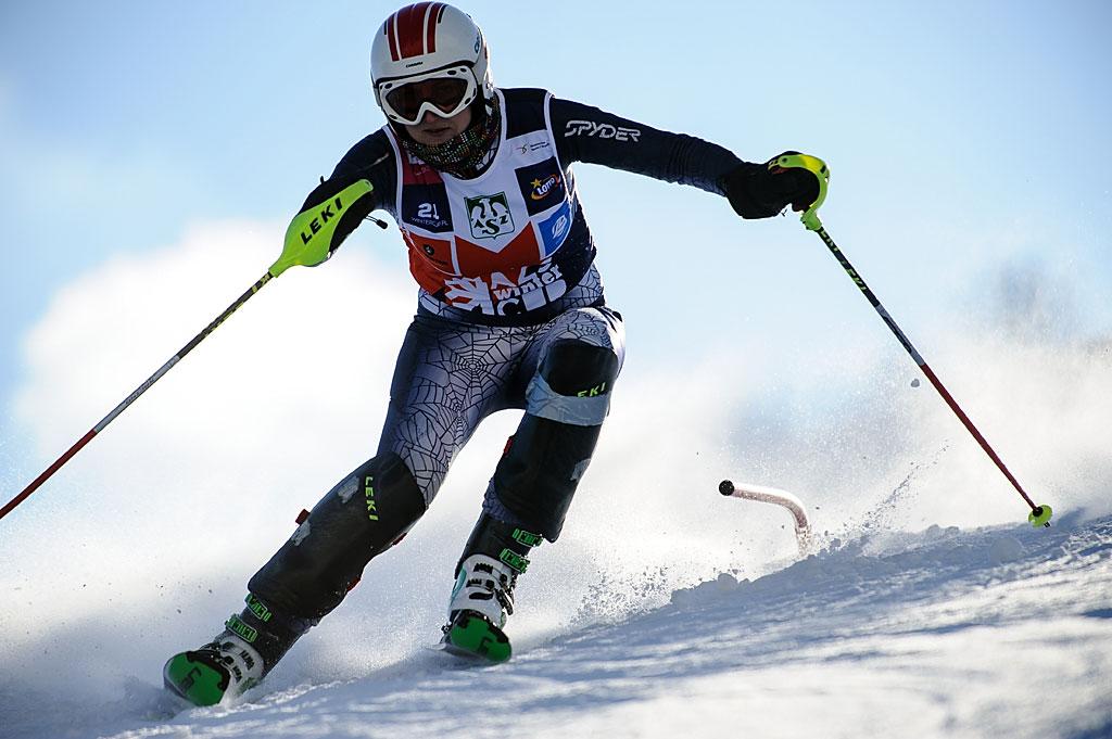 Karolina Mrózek już nietrenuje narciarstwa. Zajmuje się nauką dzieci. Aleslalomowych skrętów zupełnie niezapomniała.