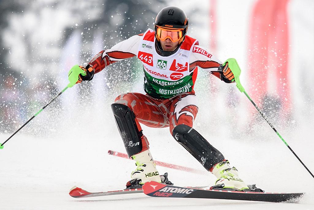 Mateusz Habrat jeździł dziś jak wtransie. Dwa doskonałe przejazdy slalomu dały mu pierwszy whistorii złoty medal AMP.