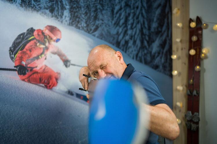 jak dbać o narty na wyjeździe