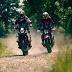 Motocyklem podrogach ibezdrożach